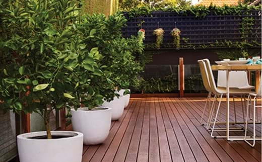 How to coat your deck with an oil-based decking oil